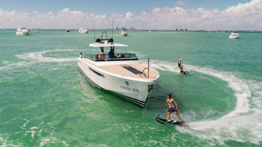 Rent JetSurf crew for your yacht